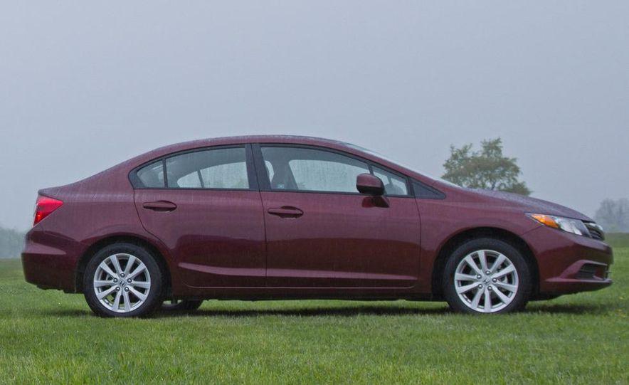 2012 Honda Civic EX sedan - Slide 1