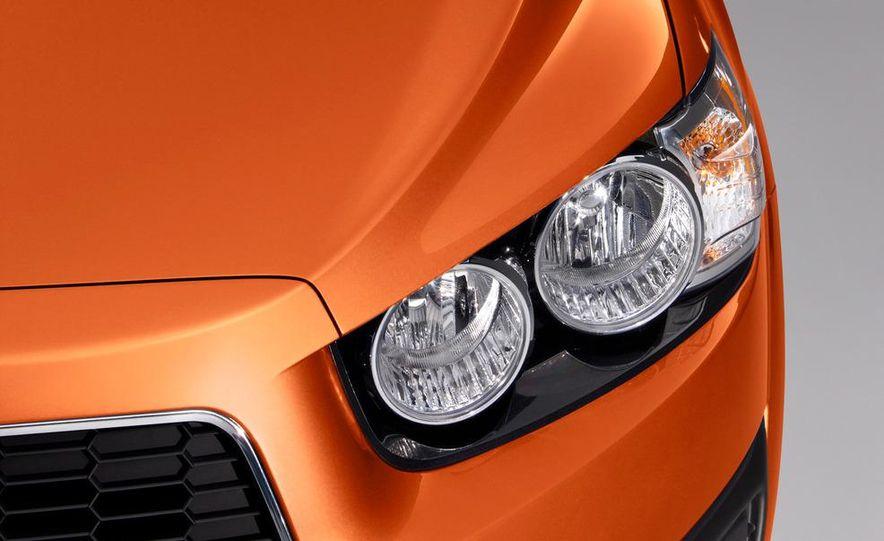 2012 Chevrolet Sonic 5-door - Slide 13