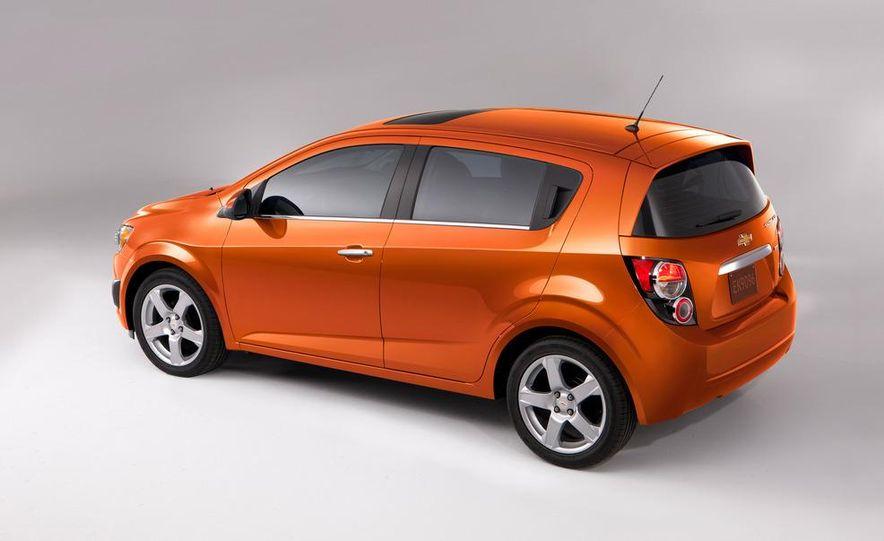 2012 Chevrolet Sonic 5-door - Slide 7
