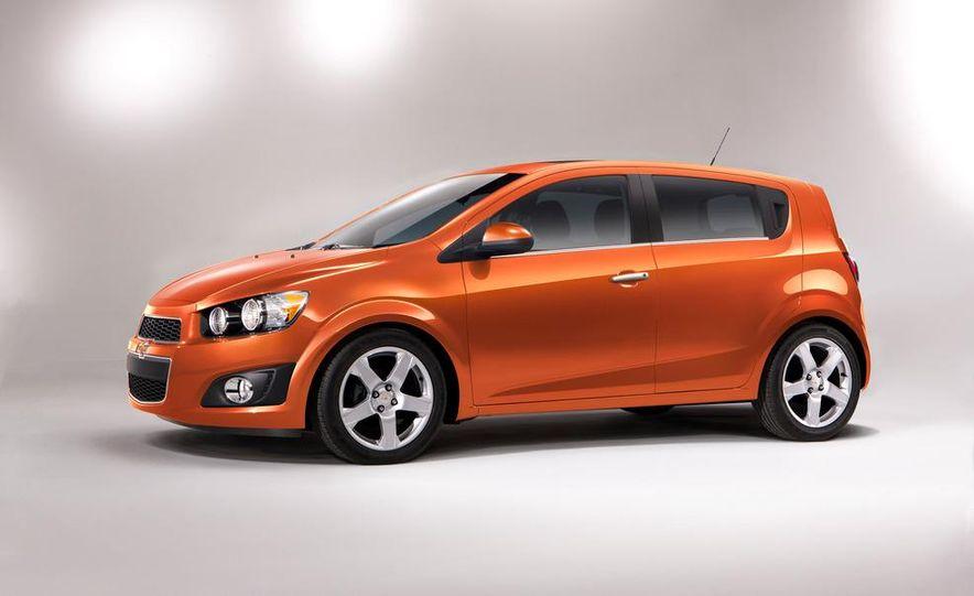2012 Chevrolet Sonic 5-door - Slide 8