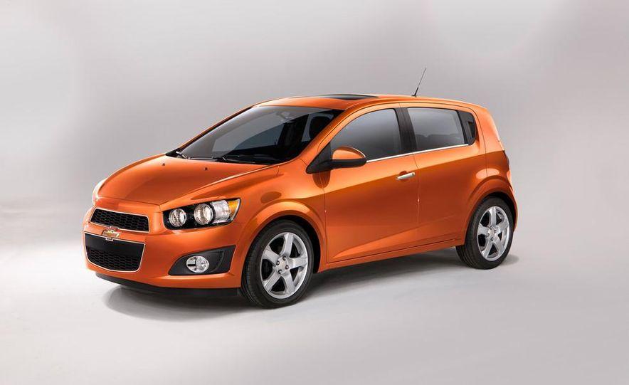 2012 Chevrolet Sonic 5-door - Slide 10