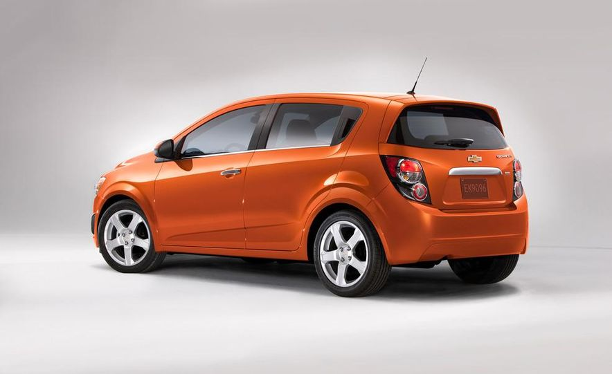 2012 Chevrolet Sonic 5-door - Slide 12