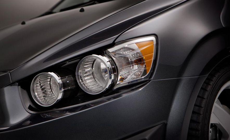 2012 Chevrolet Sonic 5-door - Slide 26