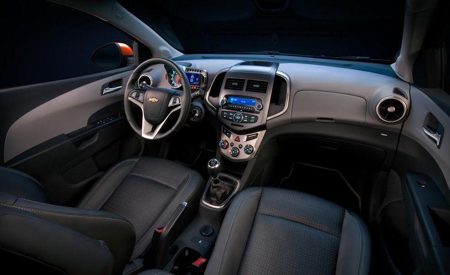 2012 Chevrolet Sonic 5-door - Slide 27