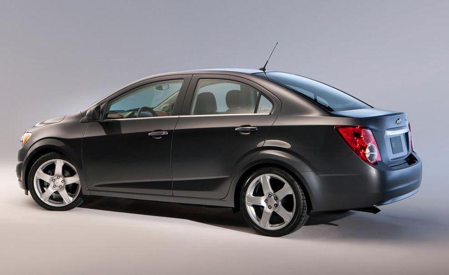 2012 Chevrolet Sonic 5-door - Slide 23