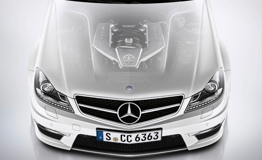 2012 Mercedes-Benz C63 AMG coupe - Slide 48