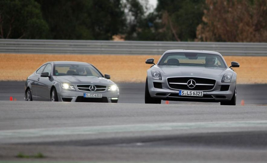 2012 Mercedes-Benz C63 AMG coupe - Slide 12