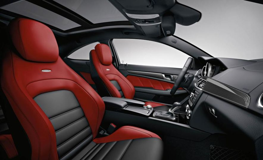 2012 Mercedes-Benz C63 AMG coupe - Slide 43