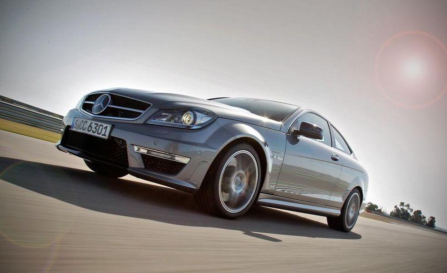 2012 Mercedes-Benz C63 AMG coupe - Slide 2