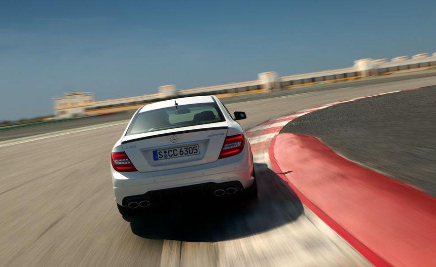 2012 Mercedes-Benz C63 AMG coupe - Slide 9