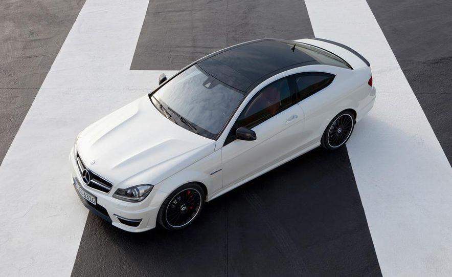 2012 Mercedes-Benz C63 AMG coupe - Slide 24