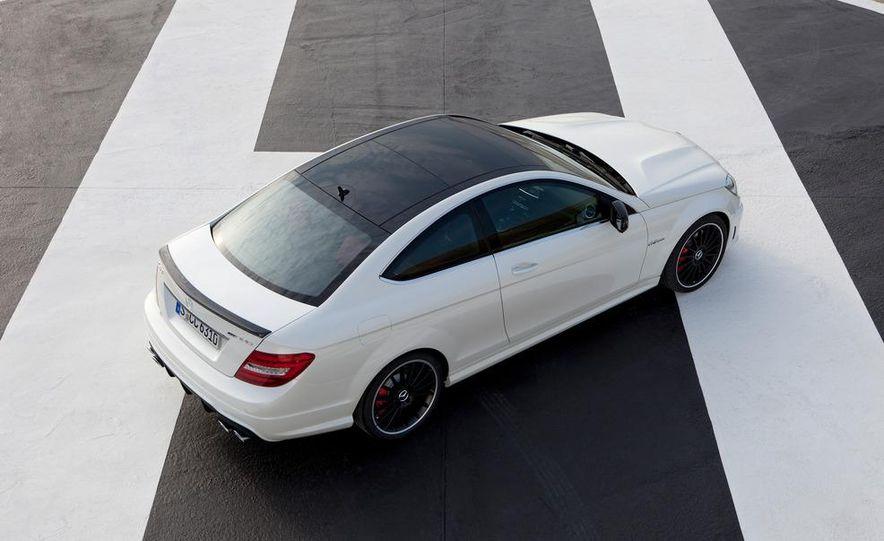 2012 Mercedes-Benz C63 AMG coupe - Slide 25