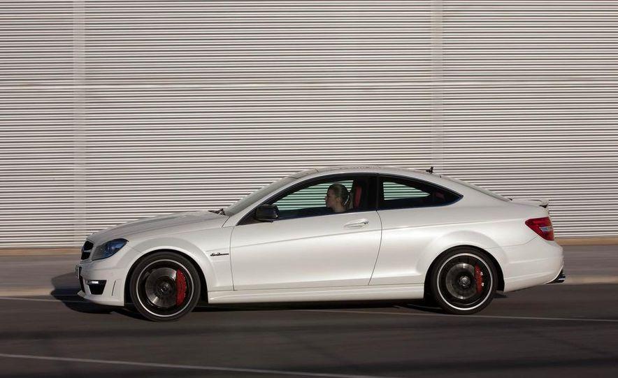 2012 Mercedes-Benz C63 AMG coupe - Slide 40
