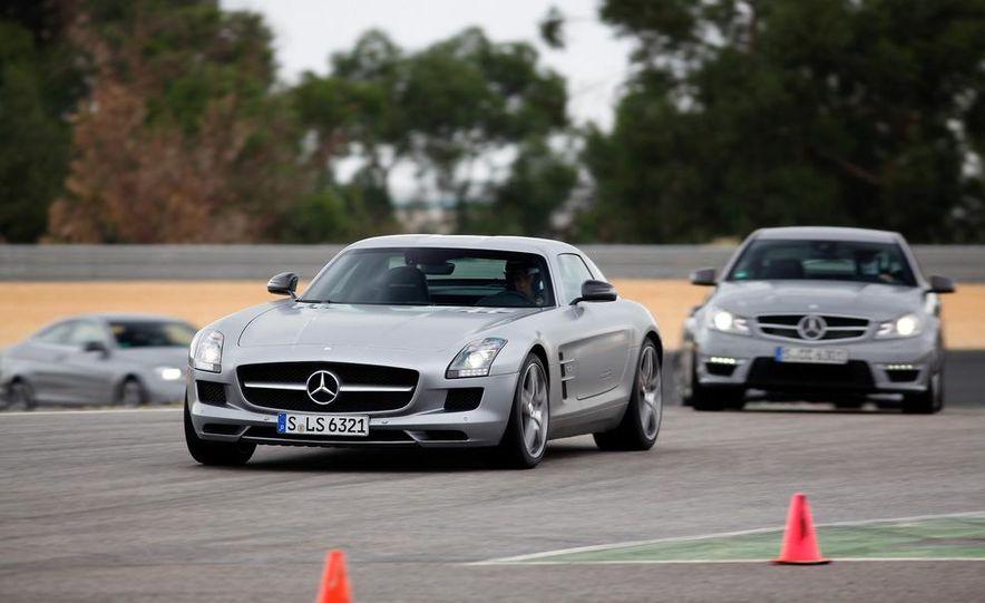 2012 Mercedes-Benz C63 AMG coupe - Slide 13