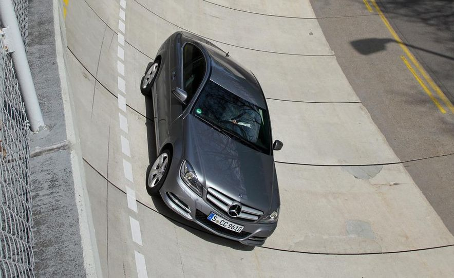 2012 Mercedes-Benz C350 coupe - Slide 17