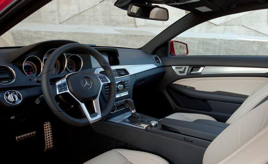 2012 Mercedes-Benz C350 coupe - Slide 12