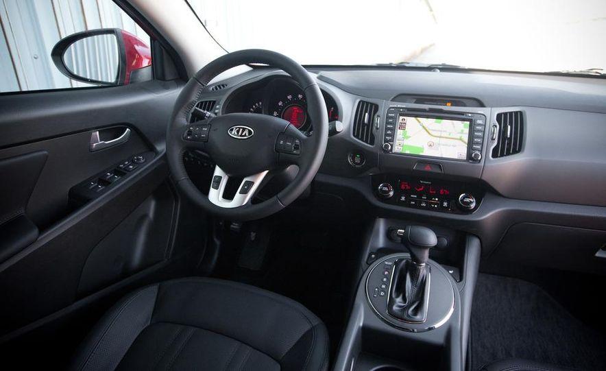2011 Kia Sportage SX AWD - Slide 9