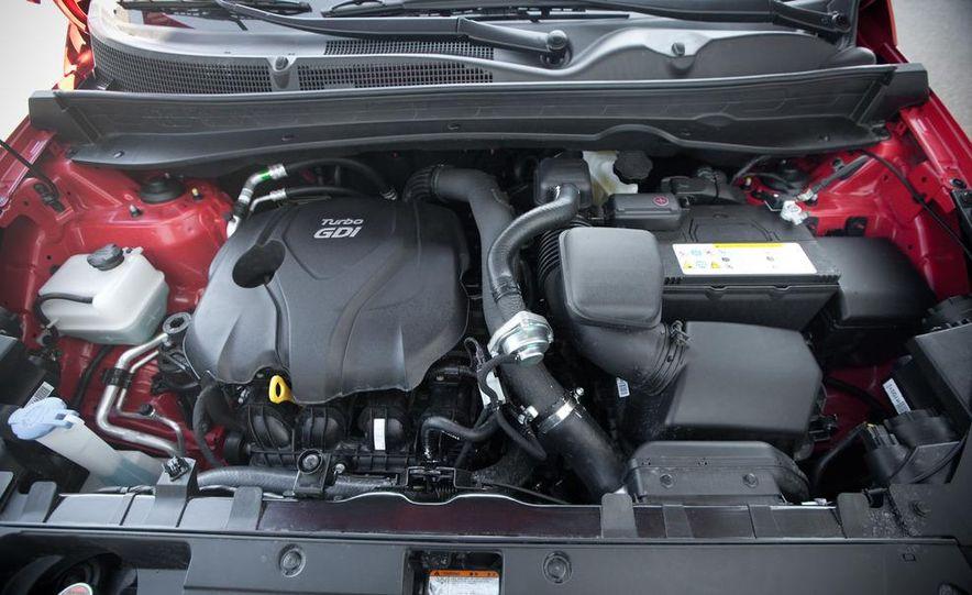 2011 Kia Sportage SX AWD - Slide 12