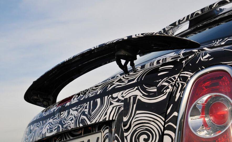 2012 Mini John Cooper Works Coupe - Slide 27
