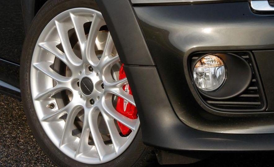 2012 Mini John Cooper Works Coupe - Slide 26