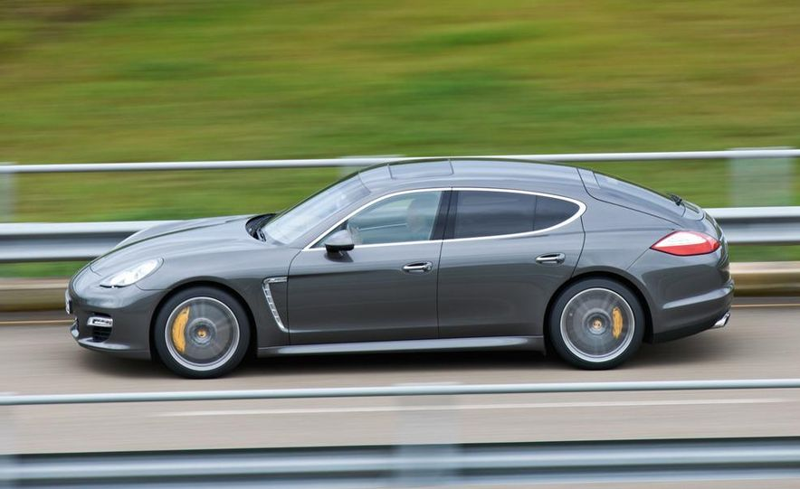 2012 Porsche Panamera Turbo S - Slide 12