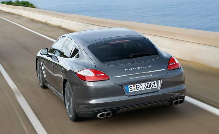 2012 Porsche Panamera Turbo S - Slide 13