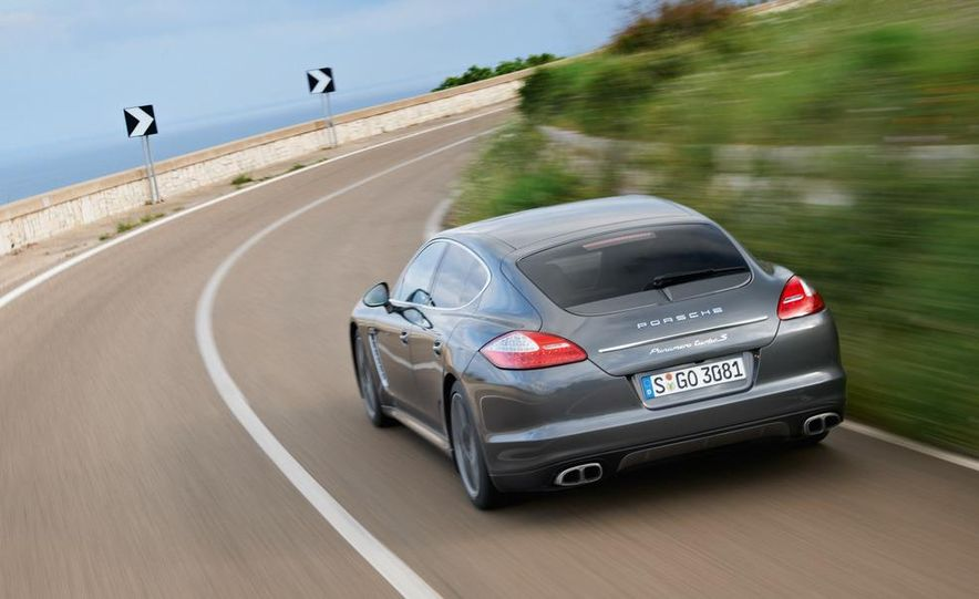 2012 Porsche Panamera Turbo S - Slide 14