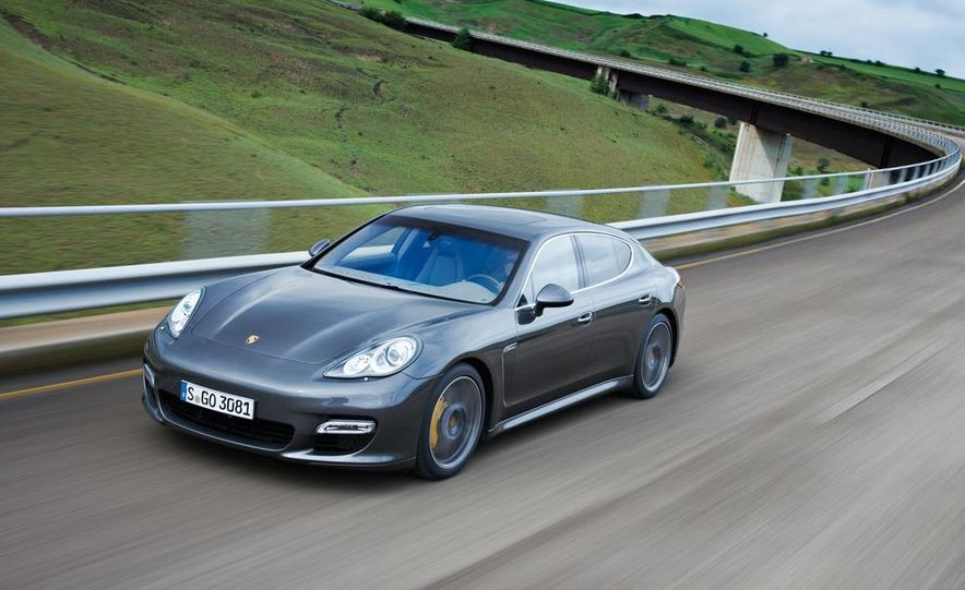 2012 Porsche Panamera Turbo S - Slide 16