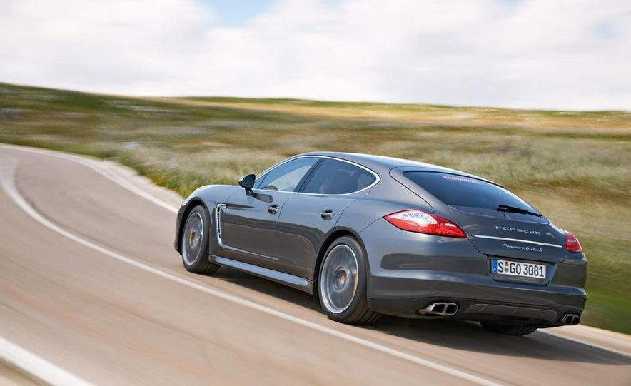 2012 Porsche Panamera Turbo S - Slide 23