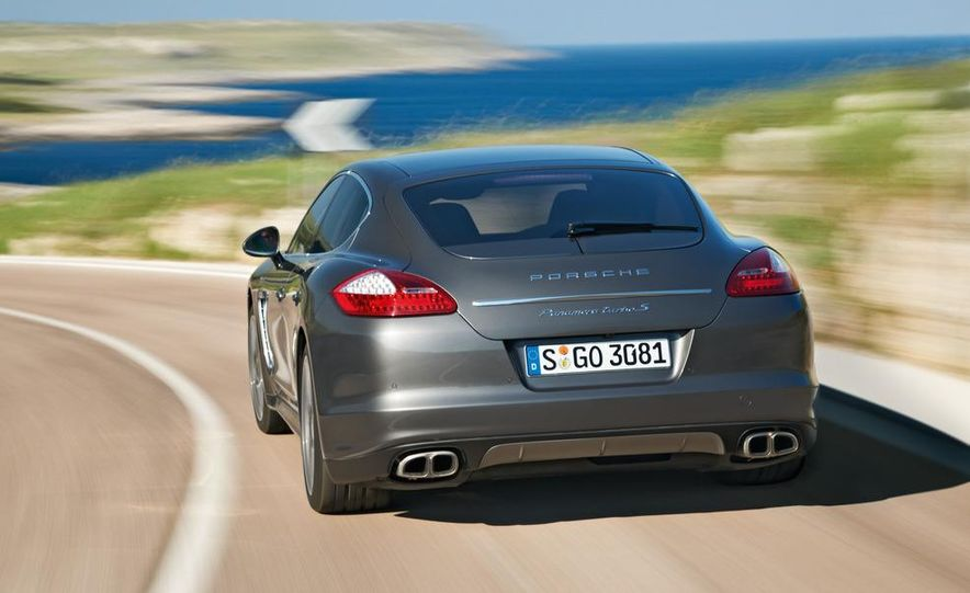 2012 Porsche Panamera Turbo S - Slide 24