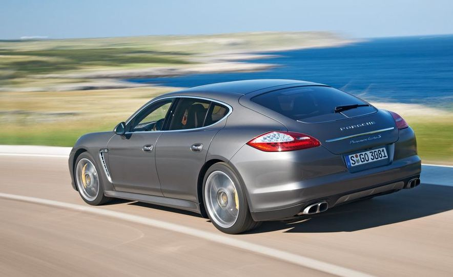 2012 Porsche Panamera Turbo S - Slide 25