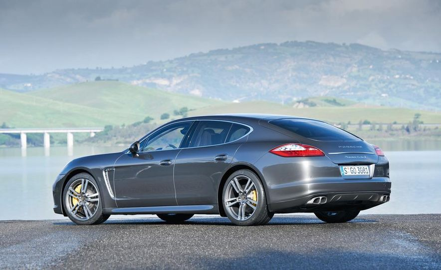 2012 Porsche Panamera Turbo S - Slide 30