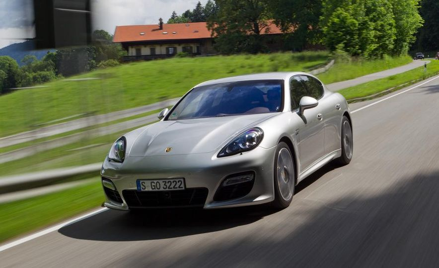2012 Porsche Panamera Turbo S - Slide 2