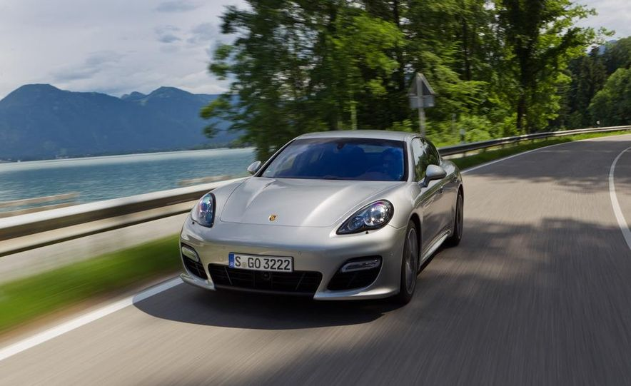 2012 Porsche Panamera Turbo S - Slide 1