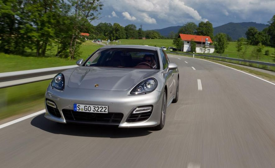 2012 Porsche Panamera Turbo S - Slide 3