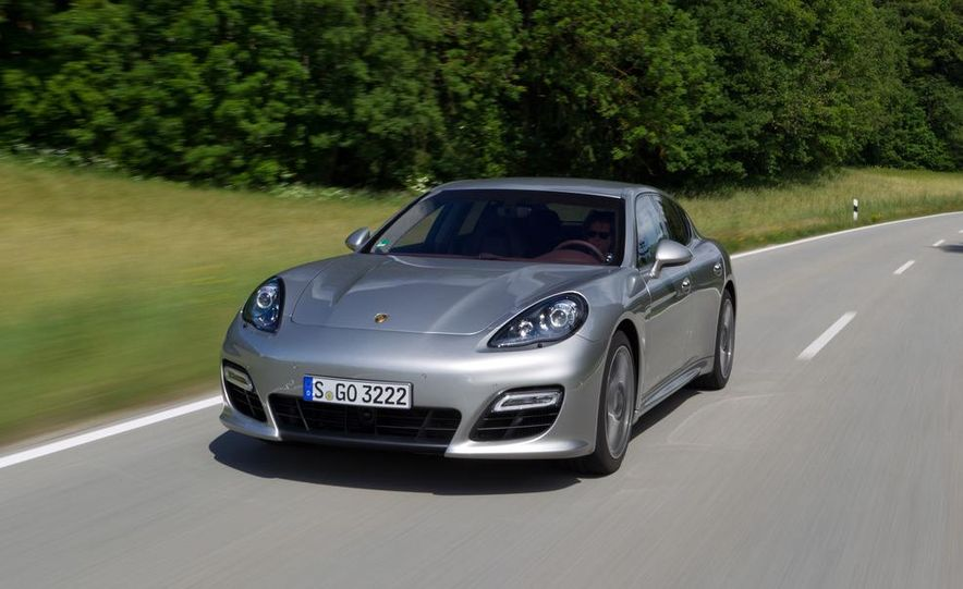 2012 Porsche Panamera Turbo S - Slide 4