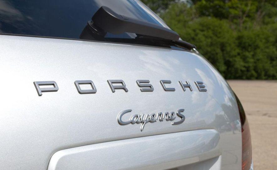 2011 Porsche Cayenne S hybrid - Slide 7