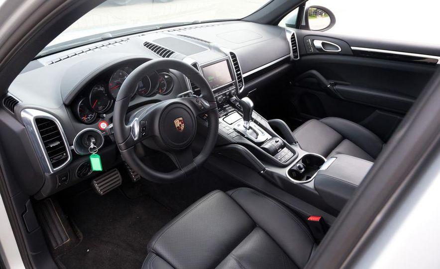2011 Porsche Cayenne S hybrid - Slide 9