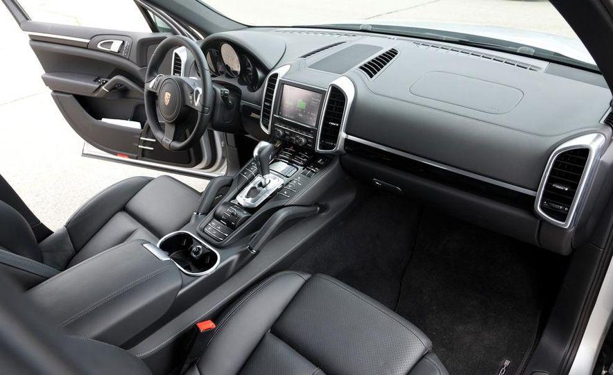 2011 Porsche Cayenne S hybrid - Slide 10