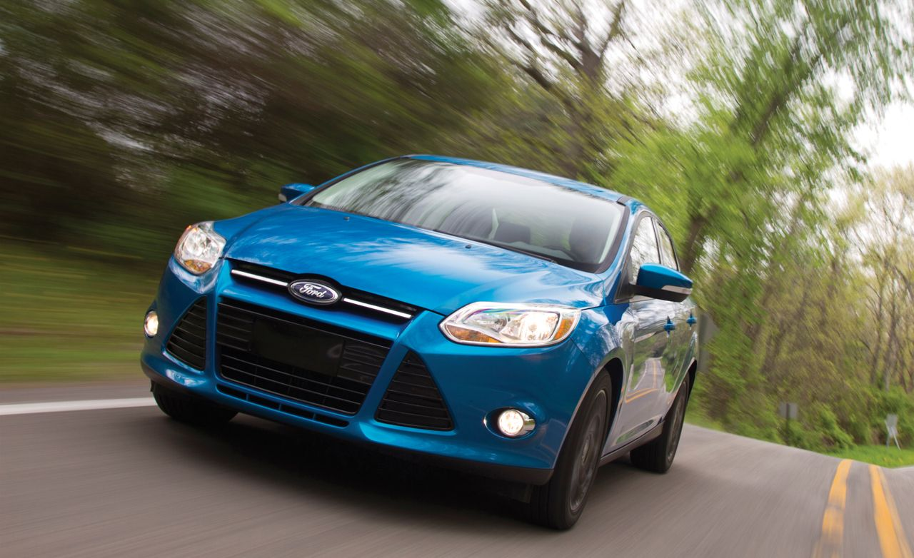 Ford Focus Se Manual Hatchback Test Review Car And Driver