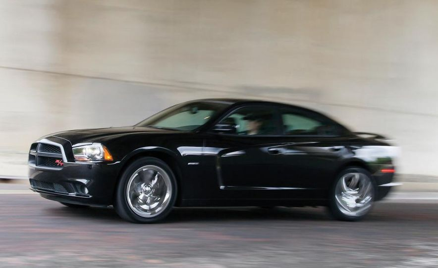 2011 Dodge Charger R/T - Slide 1