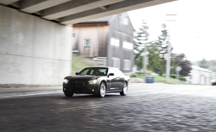 2011 Dodge Charger R/T - Slide 2