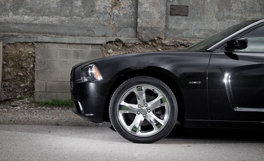 2011 Dodge Charger R/T - Slide 24