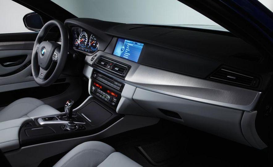 2012 BMW M5 - Slide 73
