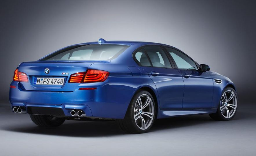 2012 BMW M5 - Slide 57