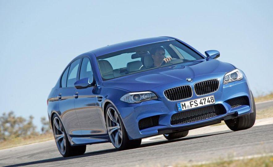 2012 BMW M5 - Slide 1