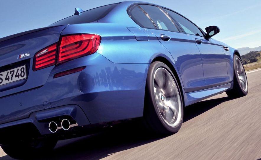 2012 BMW M5 - Slide 30