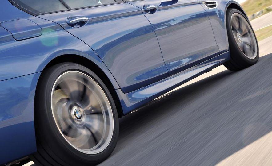 2012 BMW M5 - Slide 23
