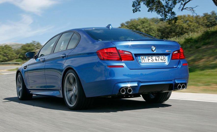 2012 BMW M5 - Slide 31