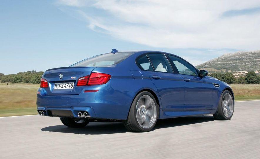 2012 BMW M5 - Slide 33
